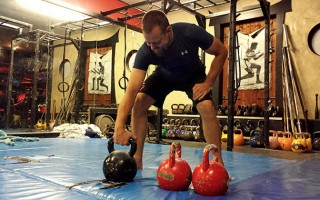 Dave Hedges Choose Your Kettlebell Style