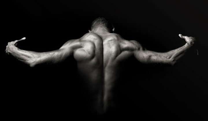 4 Ways to Avoid Shoulder Pain While Building Muscle Mass