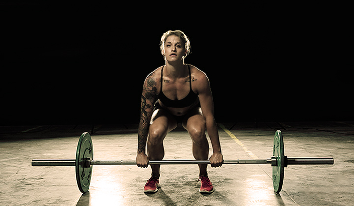 woman doing compound movements