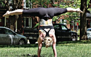 TOP 6 REASONS WHY HANDSTANDS IMPROVE YOUR OLYMPIC TRAINING