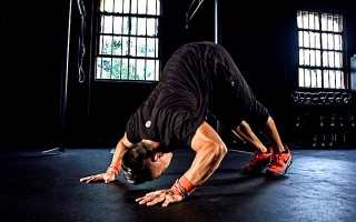 4 Exercises to Progress Your Handstand