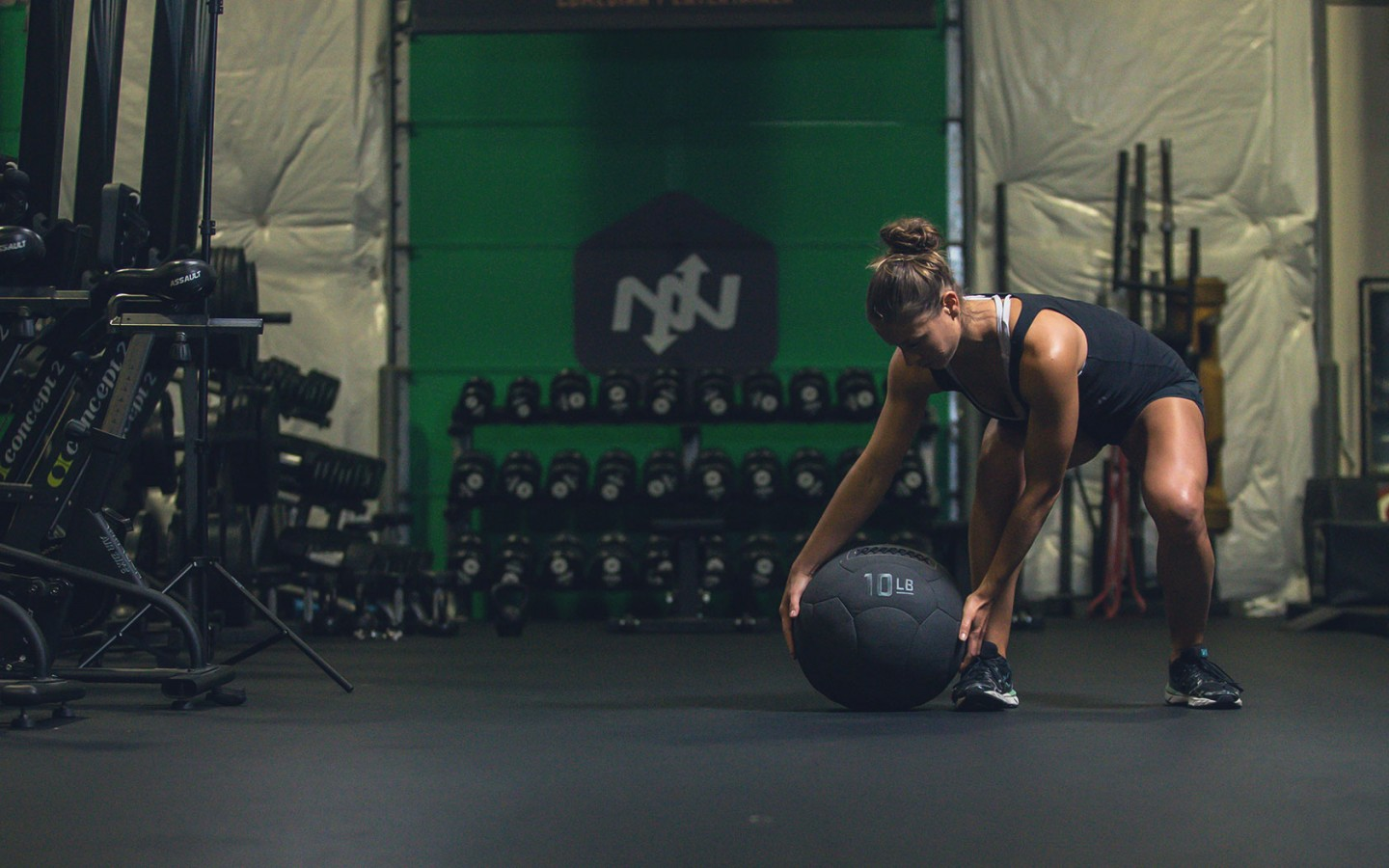 5 Medicine Ball Workouts For Beginner & Advanced Athletes