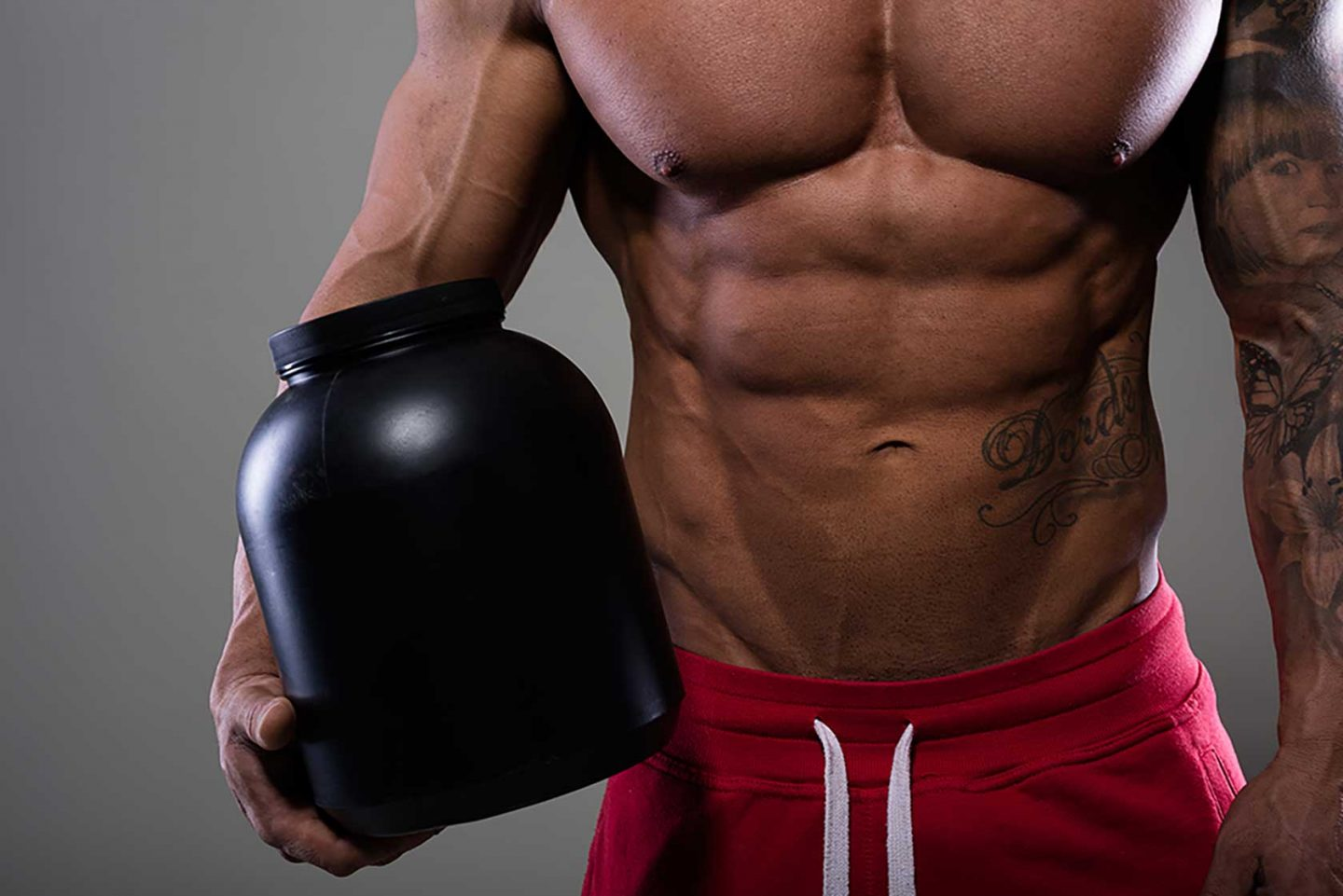 Creatine: A Guide to the Ultimate Natural Muscle Booster